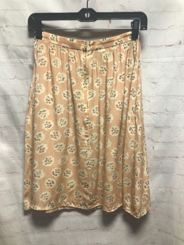 SILK FLORAL PRINT SKIRT W/ ZIP-UP CLOSURE
