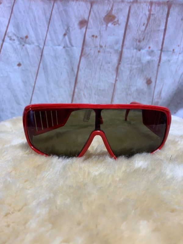 SUNGLASSES W/ PLASTIC SKI STYLE FRAMES W/ LOUVERED PANEL SIDE EAR PIECES
