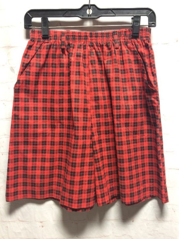 1980'S COTTON GINGHAM CHECK SHORTS W/ ELASTIC WAIST & FRONT POCKETS