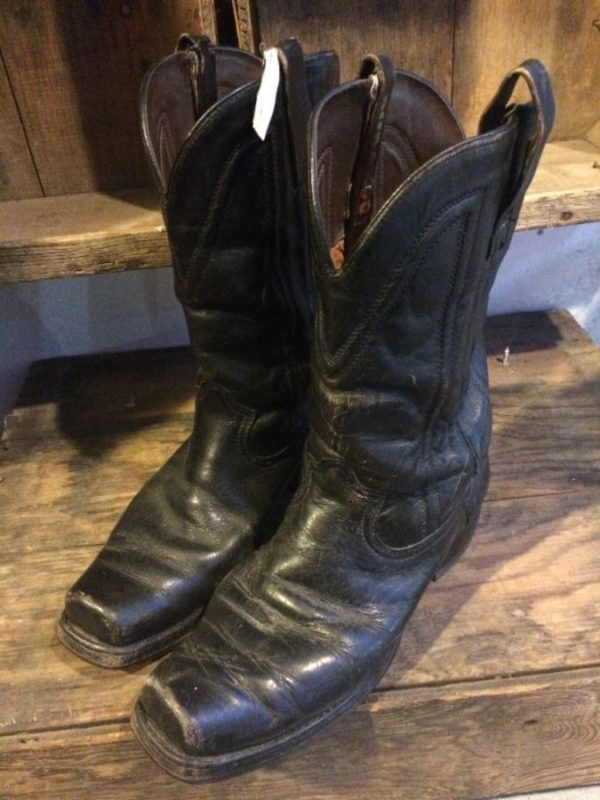LEATHER WESTERN COWBOY/BIKER BOOTS DECORATIVE STITCHING & SQUARE TOE