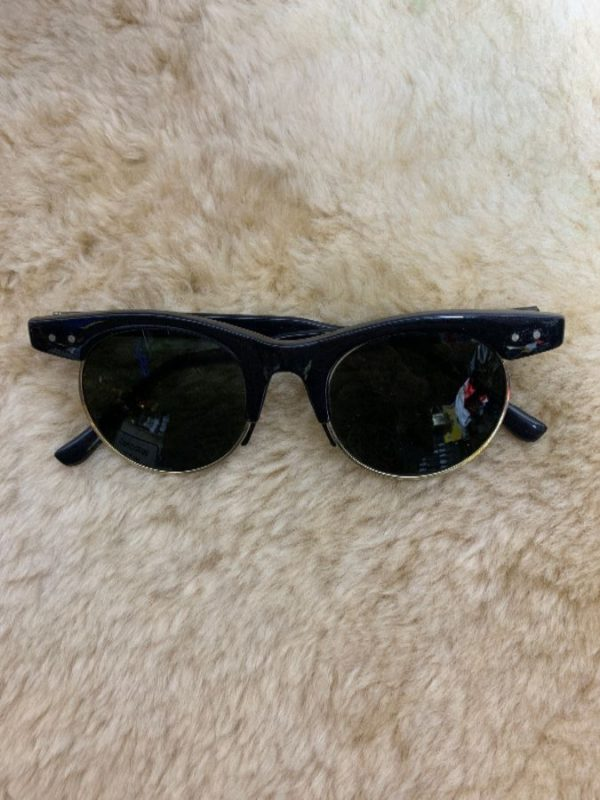 ROUNDED LENSE CLUB MASTER STYLE SUNGLASSES