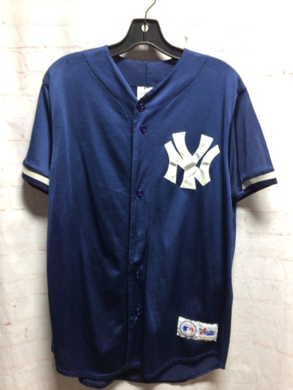product details: VINTAGE NEW YORK YANKEES BASEBALL JERSEY BOGGS #12 photo