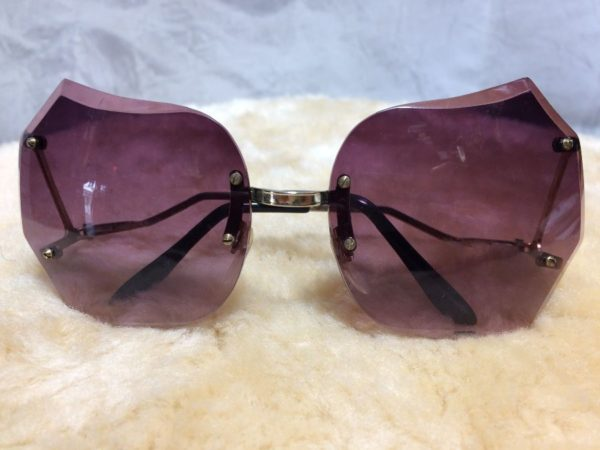 product details: 1970'S BUTTERFLY SHAPED SUNGLASSES W/ COOL LENS & GOLD METAL FRAME photo