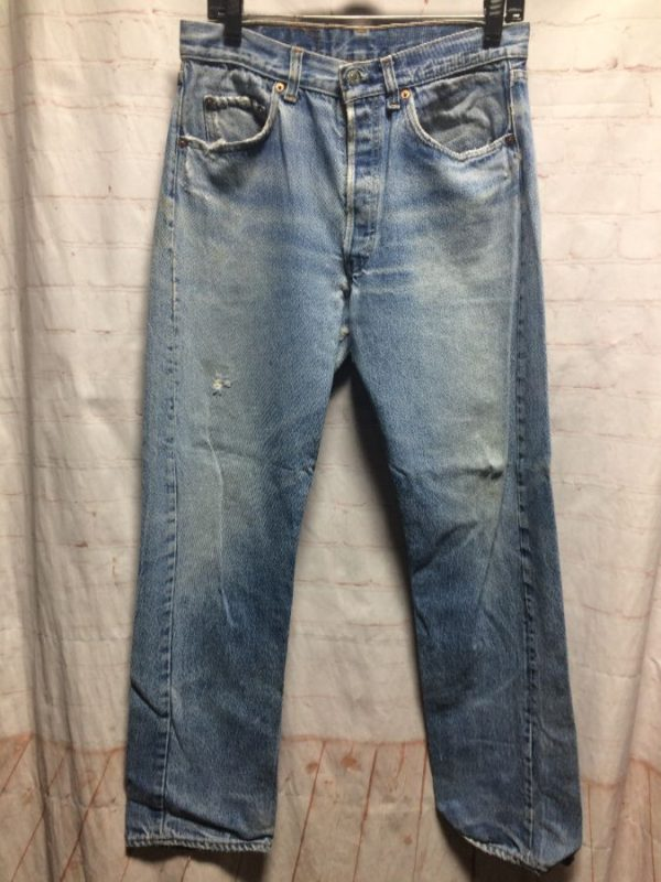 product details: CLASSIC LEVIS 501 DENIM JEANS W/ BUTTON-FLY SLIGHTLY DISTRESSED photo