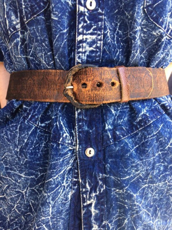 product details: DISTRESSED EMBOSSED BROWN LEATHER BELT LEATHER WRAPPED BUCKLE -as is photo