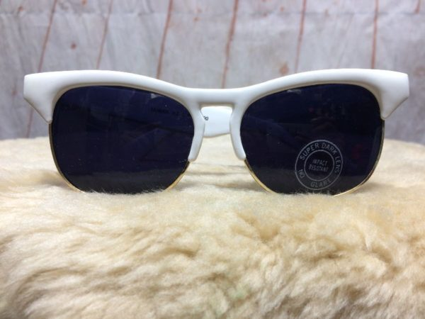 PLASTIC & METAL FRAMED RAY BAN STYLE SUPER DARK LENS SUNGLASSES