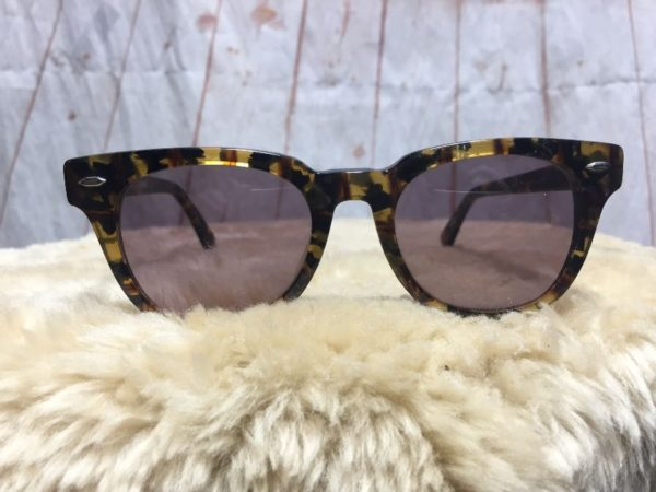 product details: VINTAGE 1990'S ANNE KLEIN FOR RIVIERA SUNGLASSES W/ FLECK RESIN FRAMES photo