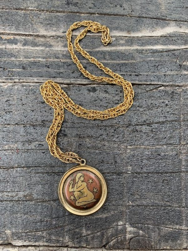 product details: VINTAGE ZODIAC MEDALLION W/ NUDE WOMAN & STARS GOLD METAL CHAIN photo