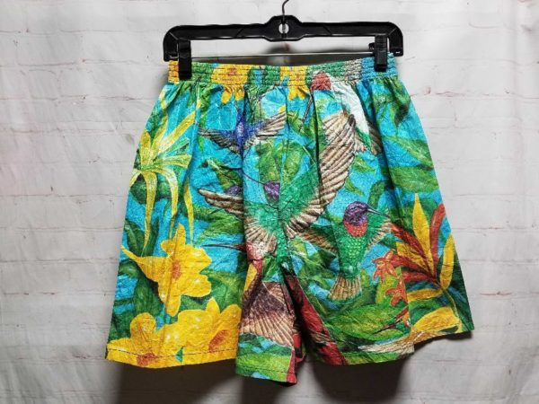 product details: PAPER TYVEK SHORTS ALL OVER HUMMINGBIRD & FLORAL PRINT photo