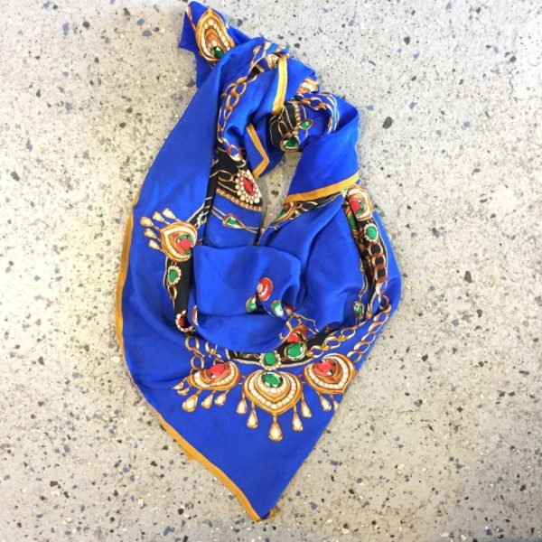 product details: GORGEOUS ROYAL JEWELS CHAIN PRINTED SQUARE SHAPE SILK SCARF photo