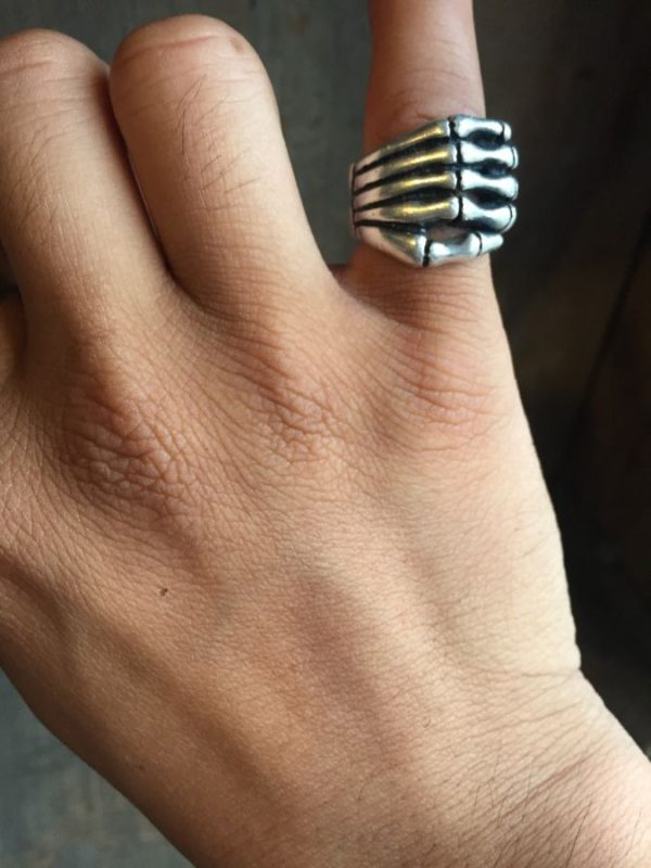 product details: STERLING SILVER RING W/ BONY SKELETON HAND photo