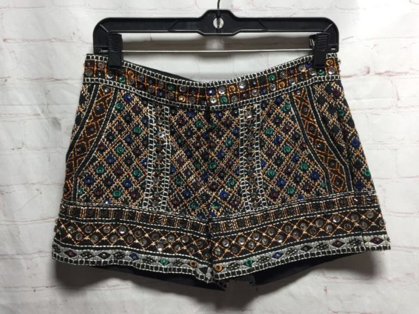 product details: SHORTS LOW RISE W/ SEQUINS/BEADS & ALL-OVER EMBROIDERY photo