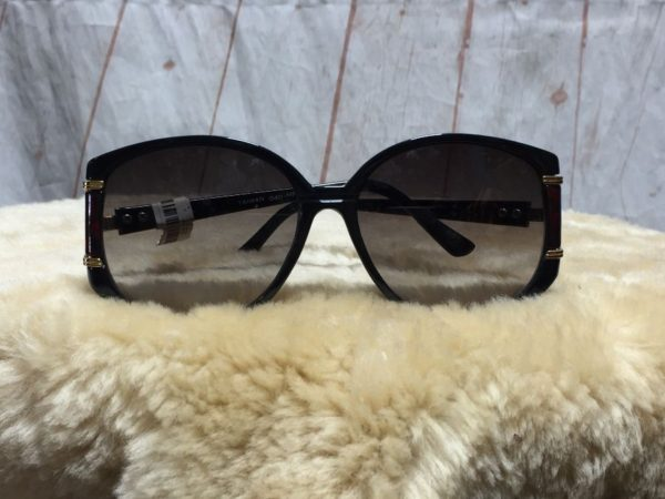 product details: 1970'S SUNGLASSES W/ SQUARE LENSES & CUT-OUT SIDE ARMS photo