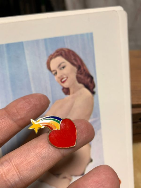 product details: BW PIN- HEART RAINBOW SHOOTING STAR ENAMEL PIN photo