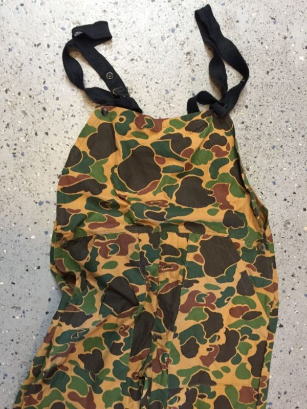 product details: HEAVY GRADE UTILITARIAN MILITARY CAMO PRINT OVERALL / COVERALLS photo