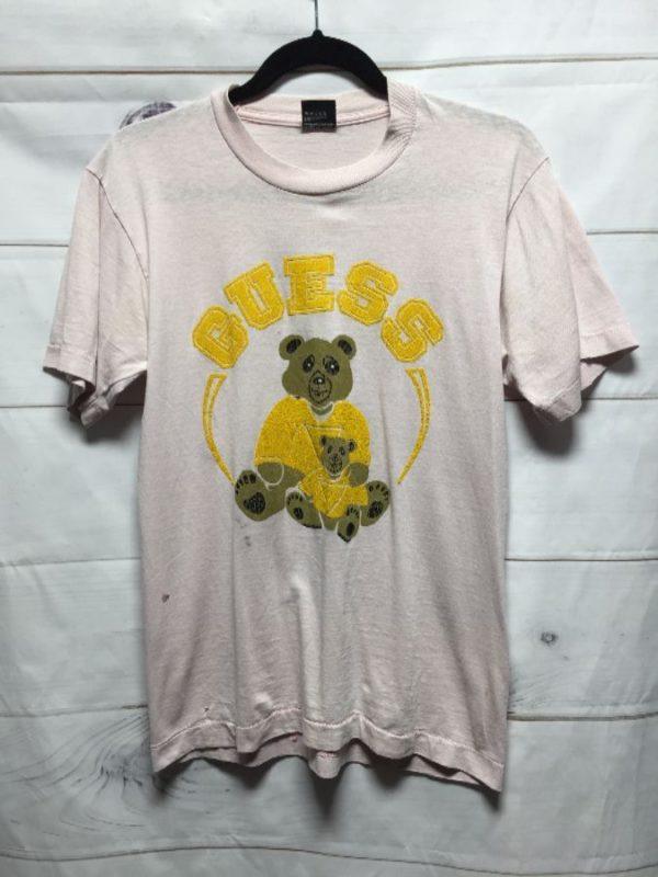 product details: GUESS TEDDY BEAR FRONT GRAPHIC T-SHIRT photo