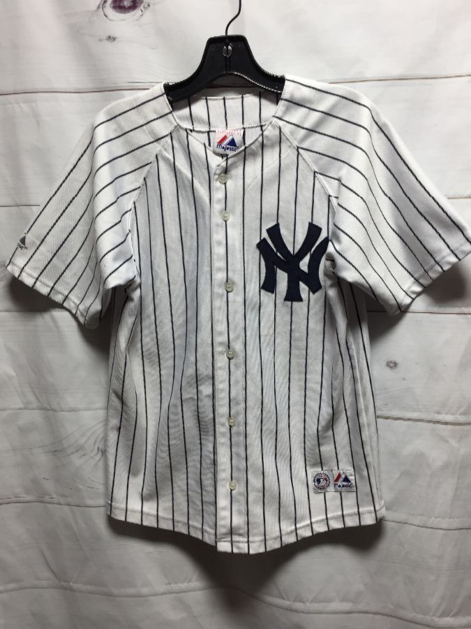 timeless design 4f79f 5c011 NEW YORK YANKEES JETER #2 BUTTON DOWN SHORT SLEEVE BASEBALL JERSEY- AS IS