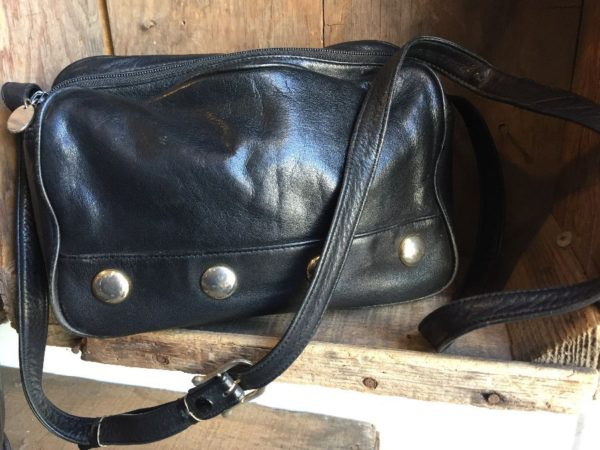 product details: LEATHER ROUND CORNERED RECTANLE SHAPE W/ CONCHO TYPE EMBELLISHMENTS IN CROSS BODY BAG photo
