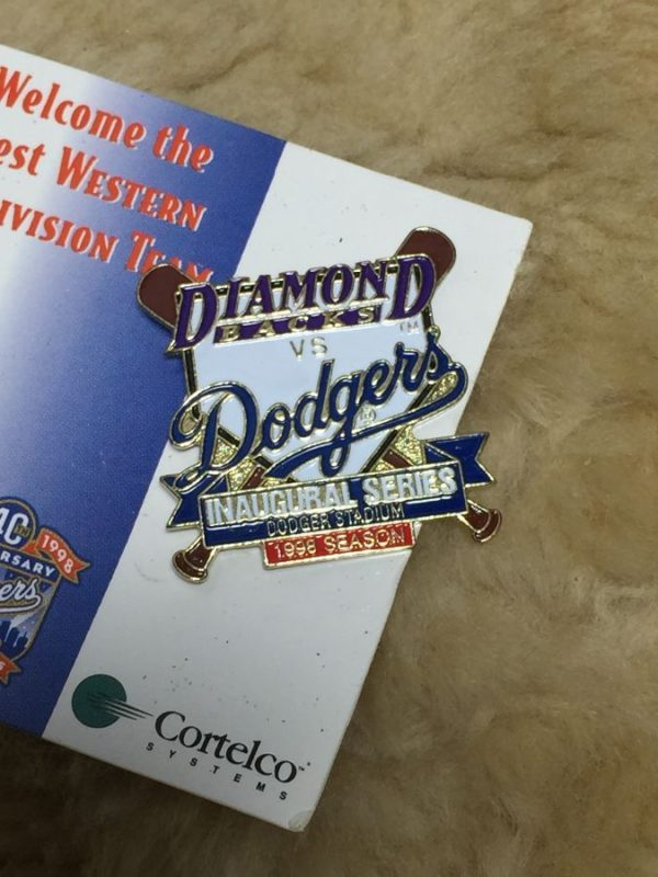 product details: DIAMOND BACKS VS DODGERS SERIES PIN photo