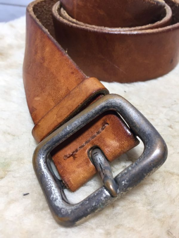 product details: BANANA REPUBLIC GENUINE LEATHER BELT photo