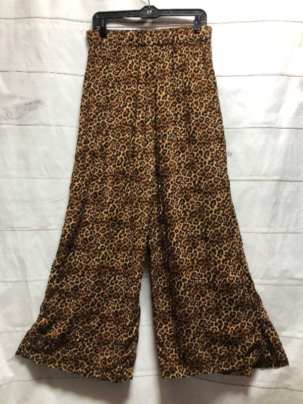 product details: LEOPARD PRINTED PIILAZZO PANT WITH BELT photo