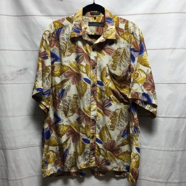 product details: 100% RAYON SHORT SLEEVE BUTTON UP SHIRT AUTUMN TROPICAL PRINT photo