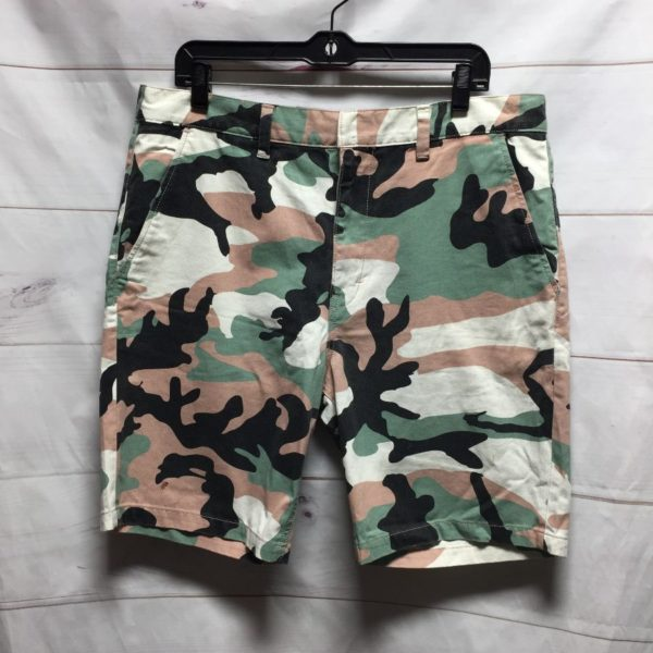 product details: FUNKY COTTON CAMO SHORTS photo