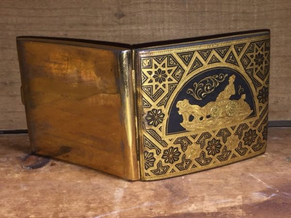 product details: VINTAGE BRASS CIGARETTE CASE / HOLDER WITH BEAUTIFUL ETCHED DESIGN photo
