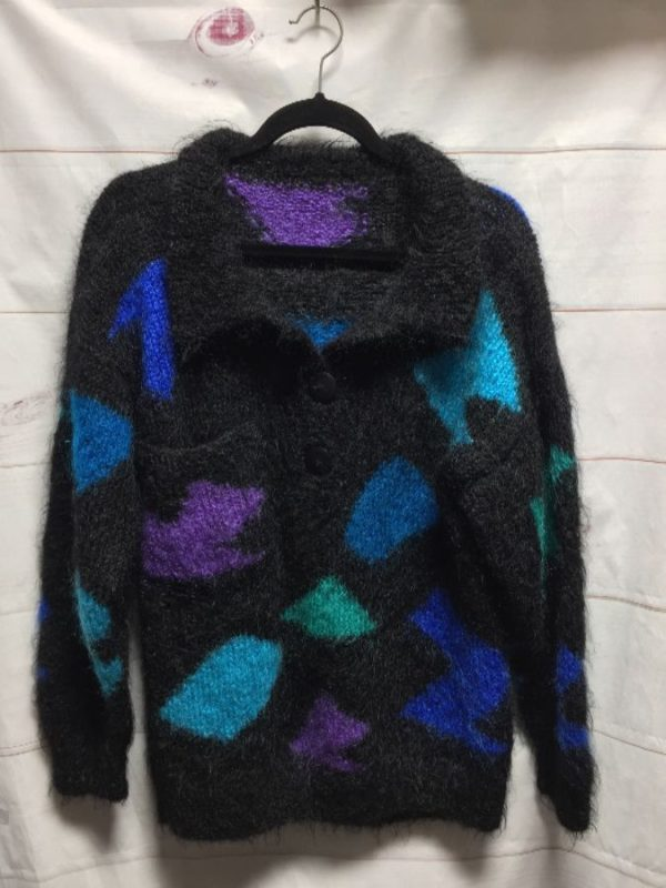 product details: RADICAL 1980S GEOMETRIC DESIGN FUZZY MOHAIR THREE BUTTON SWEATER photo