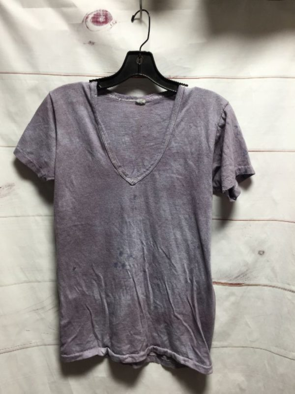 product details: V NECK SINGLE STICH BASIC T SHIRT MARBLE DYED SMALL FIT photo