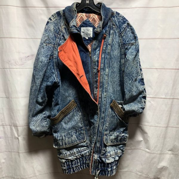 product details: UNIQUE ACID WASHED 1980S LONG DENIM JACKET WITH PRINTED FLANNEL LINING AND CONTRAST COLOR AND LEATHE photo