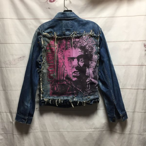 product details: LEVIS SMALL FIT DENIM JACKET WITH HAND SCREEN PRINTED SEX PISTOLS SAFETY PIN PATCH photo