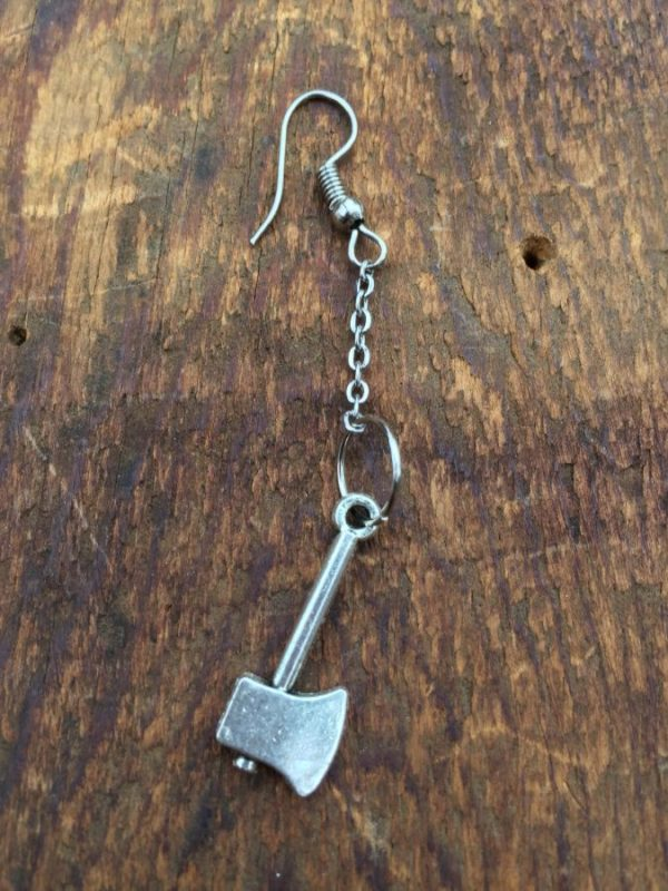product details: AXE ON CHAIN EARRING - SINGLE photo