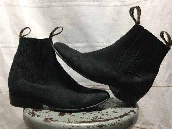 product details: SUEDE SLIGHTLY POINTED CHELSEA BOOTS photo