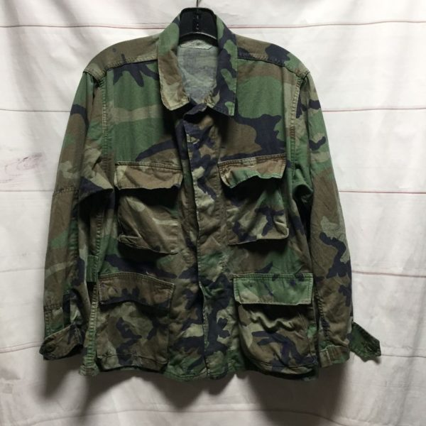 product details: LONG SLEEVE ARMY CAMO PRINT BUTTON UP JACKET THINNER SOFTER SLOUCHY FEEL - AS IS photo