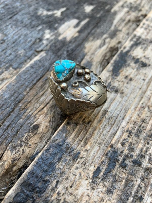 product details: CHUNKY SILVER & BRONZE RING LEAF DESIGN CHUNKY TURQUOISE STONE photo