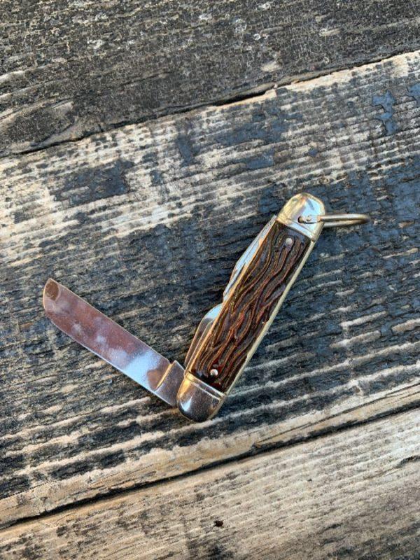 product details: FAUX ANTLER POCKET KNIFE WITH KEYRING HOLDER photo