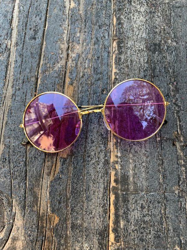 product details: PURPLE HUE LENSES ROUND GOLD FRAMED SUNGLASSES #JOHNLENNON photo