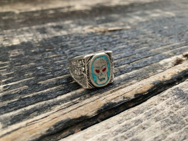 product details: SKULL WITH CRUSHED TURQUOISE STONES MOTORCYCLE BIKER RING photo