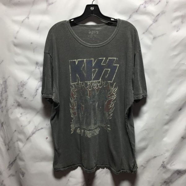 product details: KISS ON TOUR MUSIC TEE - AS IS photo