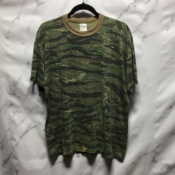 product details: SUPER THIN TIGER CAMO  T SHIRT photo