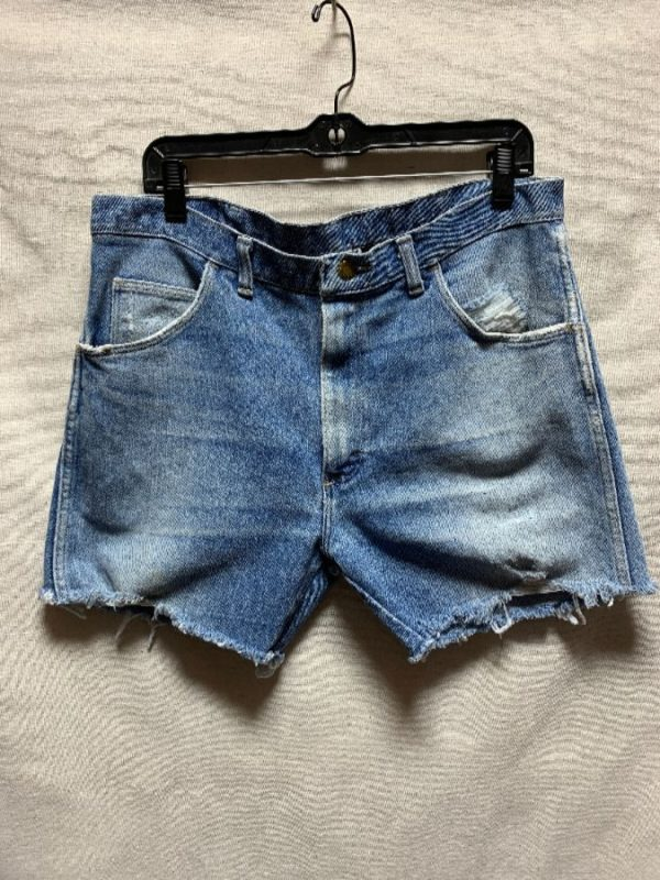 product details: WRANGLER CUT OFF DENIM SHORTS ZIP FLY SUPER SOFT & DISTRESSED PERFECT COLOR photo