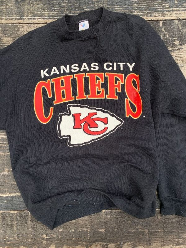 product details: KANSAS CITY CHIEFS PULLOVER SWEATSHIRT photo