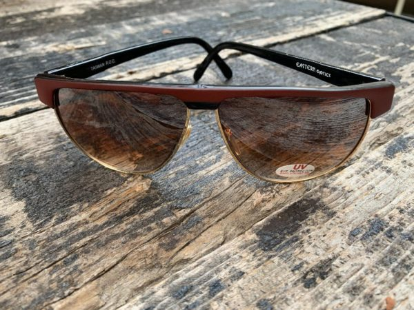 product details: DEADSTOCK 1980S FLAT TOP AVIATOR STYLE SUNGLASSES OMBRE LENSE NOS photo