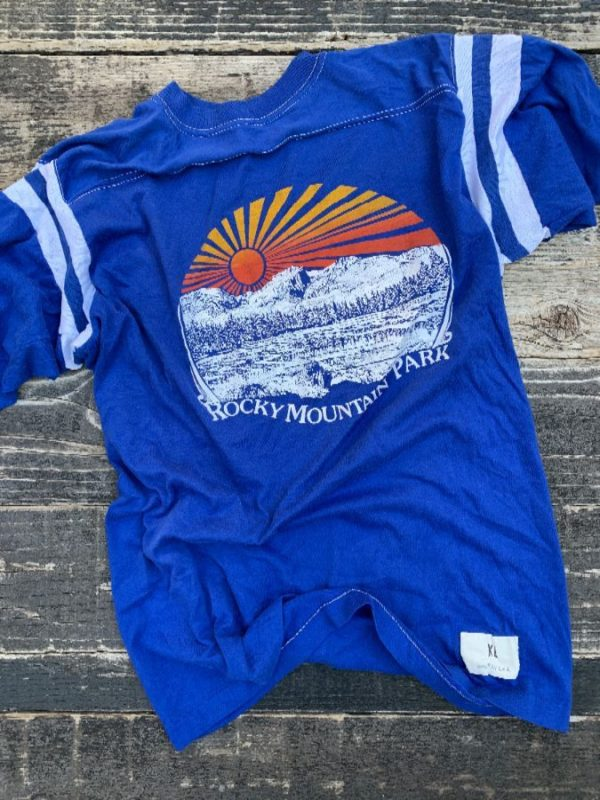 product details: 1970S RETRO ROCKY MOUNTAIN PARK GRAPHIC STRIPED T-SHIRT photo