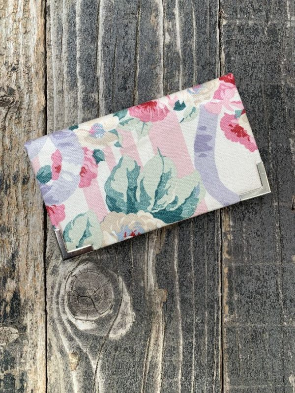product details: 1980S STRIPED FLORAL PRINT BI FOLD WALLET WITH METAL HARDWARE photo
