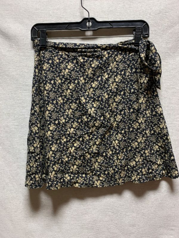 product details: 1990S RAYON WRAP SKIRT FLORAL PRINT photo