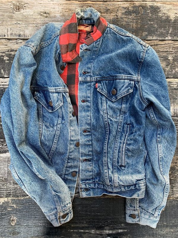 product details: PERFECT FLANNEL LINED LEVIS TRUCKER JACKET photo