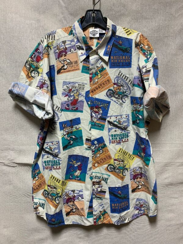 product details: COTTON ALLOVER ACME LOONEY TUNES PRINT COLLARED SHIRT photo