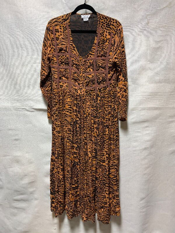 product details: DRESS ANIMAL PRINT INDIA RAYON TIGER PRINT photo